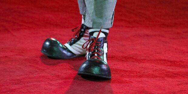 Linz: Falsche Clowns überfallen Mann