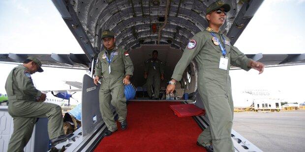 Bruchlandung von Militärflugzeug
