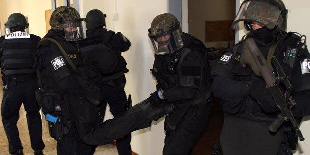 Mann drohte Polizisten mit Molotow-Cocktails