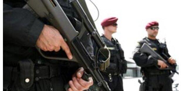 Anti-Terror-Einheit soll Geiseln befreien