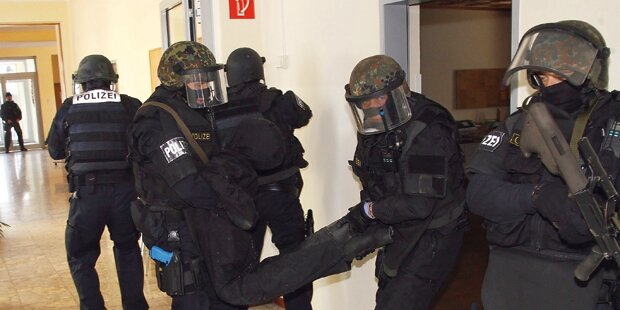 Chaos bei Cobra-Einsatz in Flüchtlingsheim
