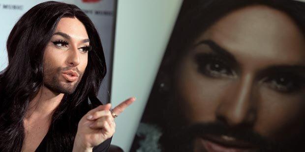 Conchita Wurst macht Öffi-Durchsagen