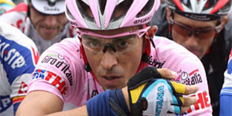 Contador rettet rosa Trikot