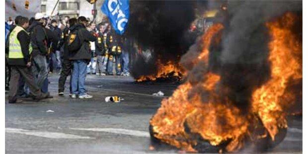 Gewalttätige Proteste von Krisenopfern