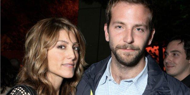 Bradley Cooper: Stinksauer auf seine Ex