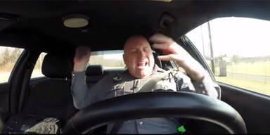 singender cop