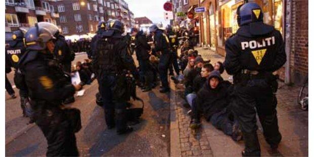 Fast tausend Festgenommene wieder frei