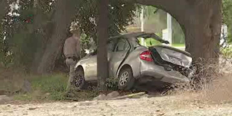 Mann rast absichtlich in Auto: Drei Tote