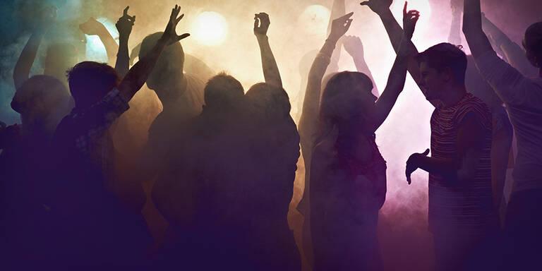 "Polizei ""crasht"" Corona-Party mit 30 Gästen"