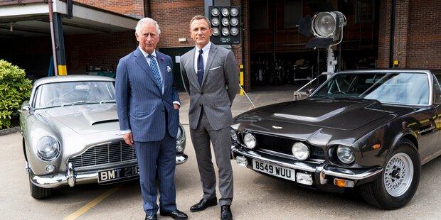 Prinz Charles besucht Craig am Bond-Filmset