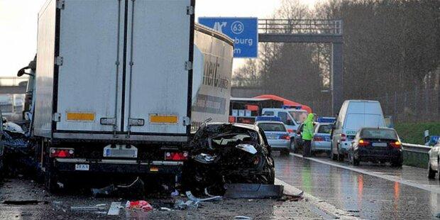 Massencrash auf deutscher Autobahn