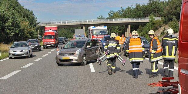 Baby bei Crash auf der A21 verletzt