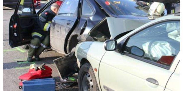 Massen-Crash auf A1 - 14 Verletzte