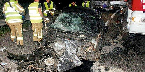 Horror-Crash auf A3: 1 Toter und 3 Verletzte