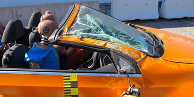 4 Cabrios im Überschlag-Crashtest