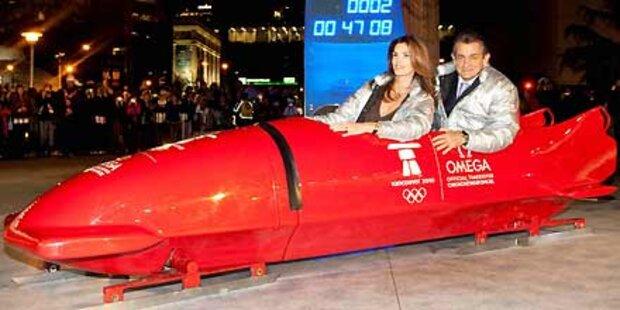Cindy Crawford im olympischen Bob