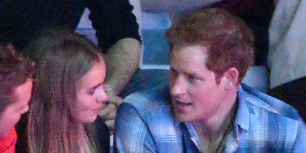 Prinz Harry turtelt wieder mit Cressie
