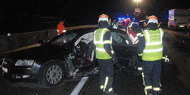 Crash auf A2: Fahrertür ausgerissen