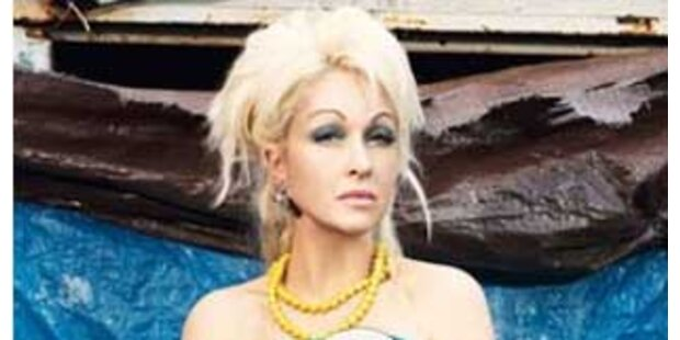 Cyndi Lauper macht jetzt auf Elektrodiva