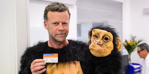 Jenke macht sich zum Affen