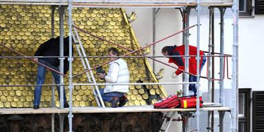 Diebe klauten Schindel vom Goldenen Dachl