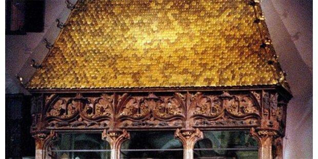 Goldenes Dachl fast abgebrannt
