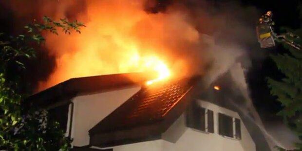 Dachstuhlbrand überraschte Familien im Schlaf