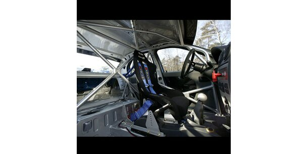 dacia bringt billigstes rally auto der welt. Black Bedroom Furniture Sets. Home Design Ideas