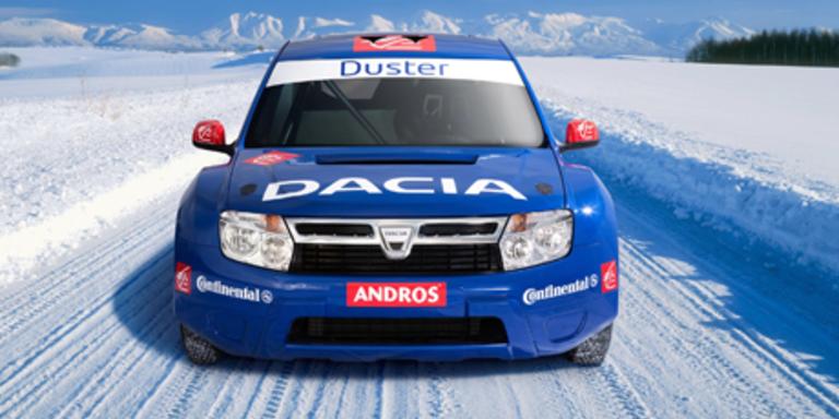Alain Prost fährt mit dem Duster ein Eisrennen