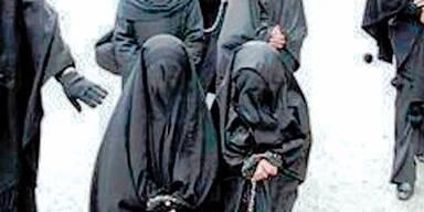 ISIS vergewaltigt Frauen, damit sie muslimisch werden