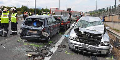 Schwerer Unfall auf Donauufer-Autobahn