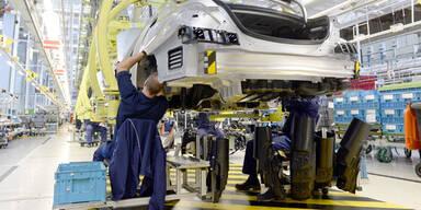Daimler ruft 150.000 Autos zurück