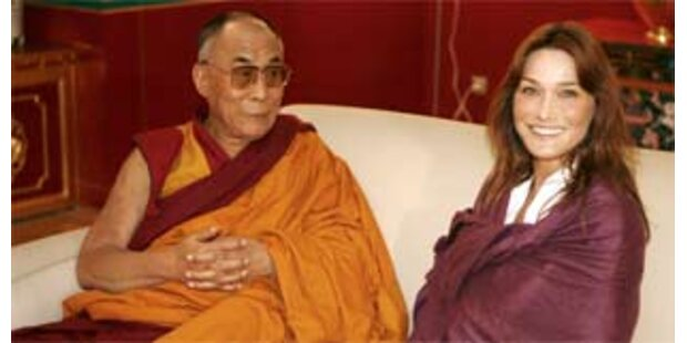 Dalai Lama empfing Carla Bruni