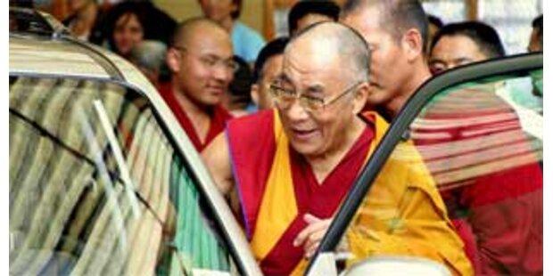 Dalai Lama aus dem Krankenhaus entlassen