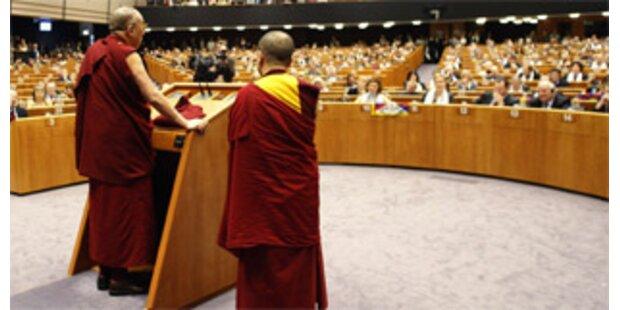 Dalai Lama sprach trotz Protesten vor dem EU-Parlament