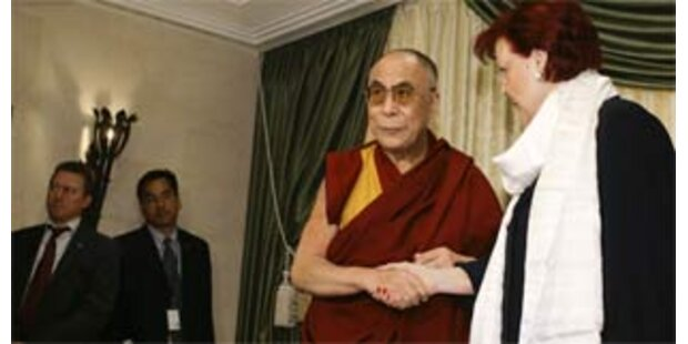 Berliner Dalai-Lama-Besuch entzweit die SPD