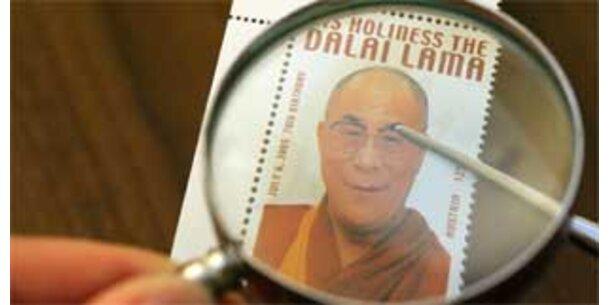 Dalai Lama-Briefmarke wird versteigert