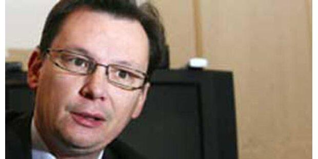 Minister Darabos als Einbruchs-Opfer