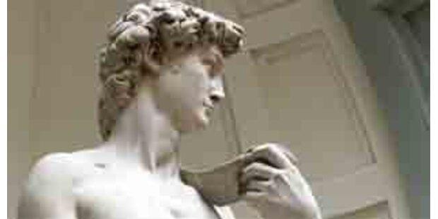 Straßenbahn gefährdet Michelangelos David