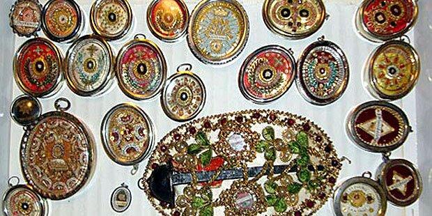 Diebe stehlen 80 Reliquien aus Kapelle