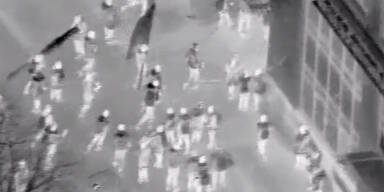 AfD-Politiker beim Sturm des Corona-Mobs auf Versicherung dabei