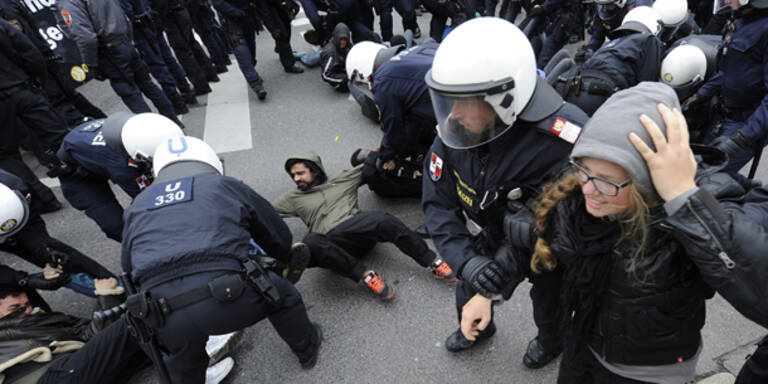 """Gewalt-Demo"": Frau doch nicht schwanger"