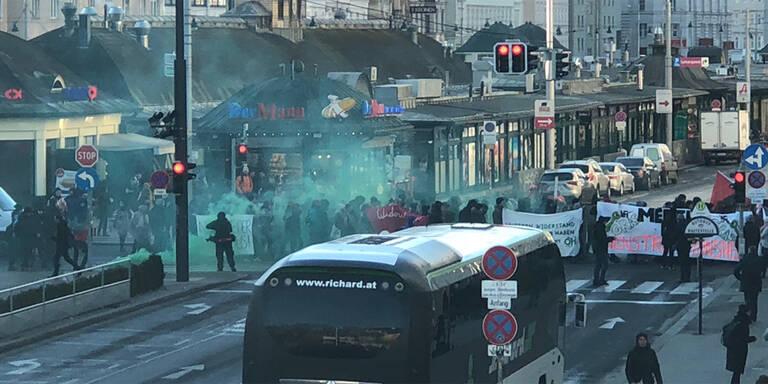Mehrere Festnahmen nach Demos