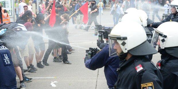 Pfefferspray-Einsatz: Polizei unter Beschuss