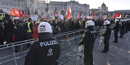 Linke mobilisieren gegen Schwarz-Blau