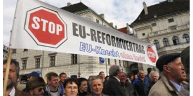 Nur 15 Teilnehmer bei Demo gegen EU-Reformvertrag