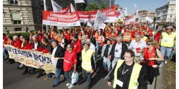 Riesen-Demo für faire Löhne in Wien