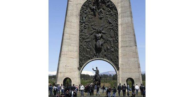 Sowjetdenkmal gesprengt - zwei Tote