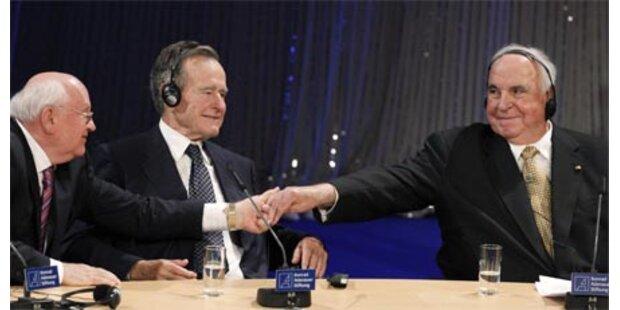 Kohl, Bush & Gorbatschow als Ehrengäste