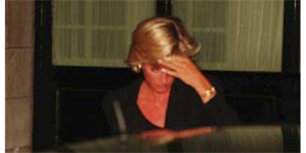 Fotos von sterbender Diana gezeigt